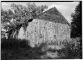 NORTHWEST VIEW OF EXTERIOR - Hunt-Hosmer Barn, Lowell Road, Concord, Middlesex County, MA HABS MASS,9-CON,16-2.tif