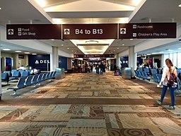 Nashville International Airport Concourse B interior 1