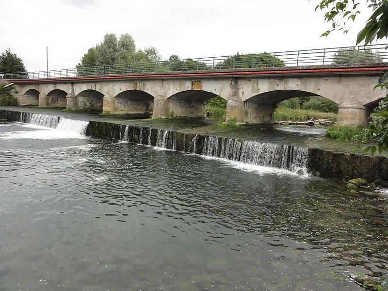 Neuville-sur-Ornain (Meuse) pont sur l'Ornain
