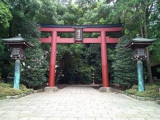 Nezu Shrine - Image: Nezu jinja Torii 1