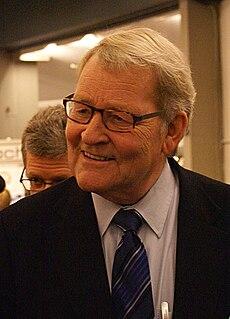 Niels Helveg Petersen Danish politician