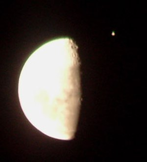 Occultation - Jupiter (the bright object in the upper right) a few minutes before being occulted by the Moon on 16 June 2005