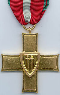 Cross of Grunwald medal, with its double swords.