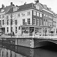 Oude Delft 101-103, voor- en zijgevel - Delft - 20050699 - RCE.jpg