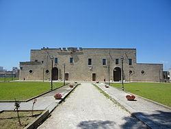 Palazzo baronale di Collepsso Lecce.jpg