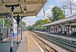 Palmers Green station geograph-3965647-by-Ben-Brooksbank.jpg