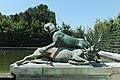Parc de Versailles, Fontaine du Point du Jour, Limier terrassant un cerf, Jacques Houzeau, 1687 01.jpg