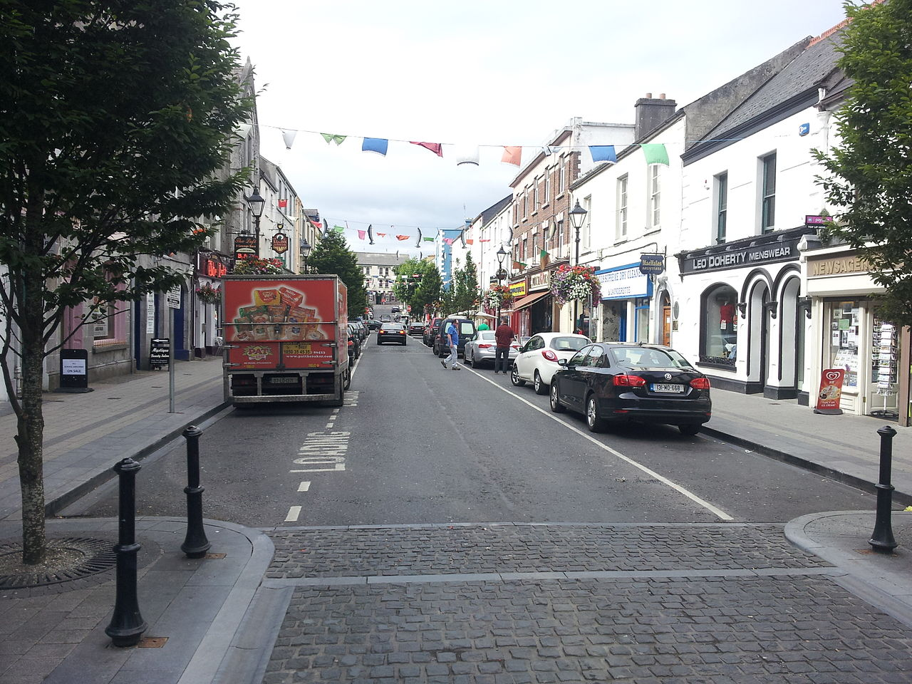 Ballina Ireland  City new picture : Pearse St. Ballina, Co Mayo, Ireland Wikimedia Commons