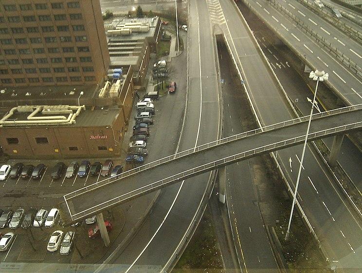 Pedestrian Bridge to Nowhere, M8, Glasgow. - panoramio