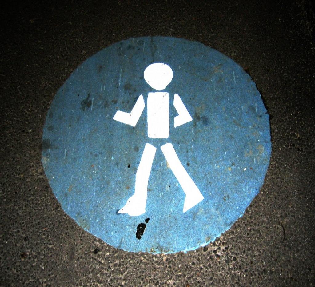 1024px-Pedestrian_sign_night_fluorescent