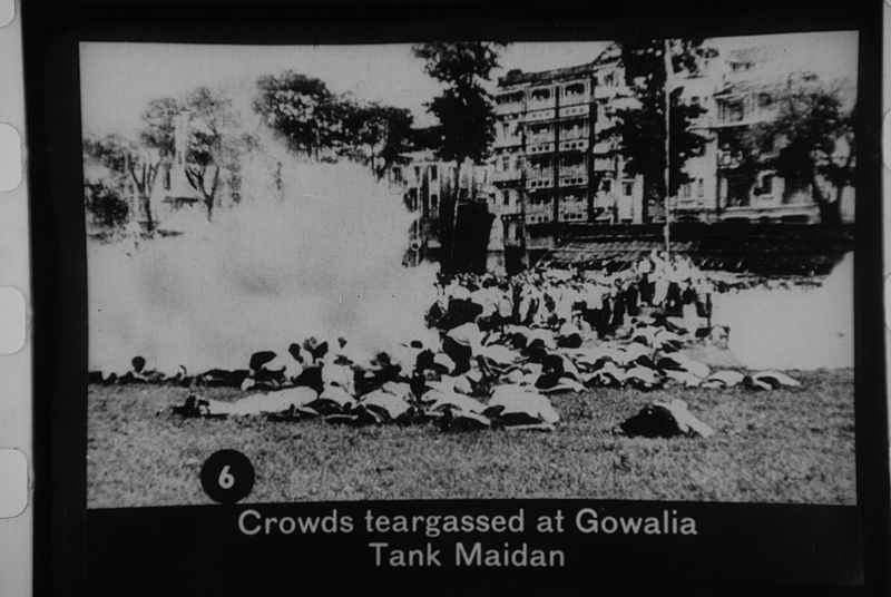 File:People teargassed at Gowalia Tank Maidan.jpg