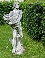 Pernštejn, okres Brno-venkov, 2013, sochy na nádvoří (5).JPG