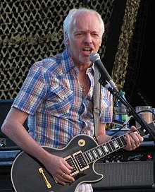 Peter Frampton at the 2011 Ottawa Bluesfest (cropped).jpg