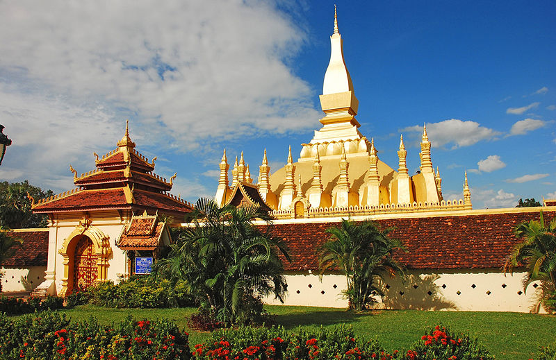 File:Pha That Luang, Vientiane, Laos.jpg