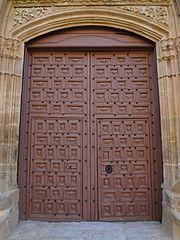 Photography by David Adam Kess, España, Aranda de Duero, Hand Carved Wooden Door, pic bbb11bb.jpg