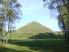 Piłsudski Mound1.jpg