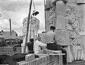 Plaatsing van het Monument om de Slag om Arnhem, Bestanddeelnr 901-9134.jpg