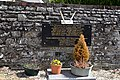 Plaque commémorative sur le mur du cimetière du Détroit.jpg