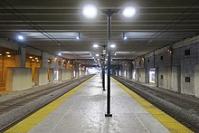 Platform at McCormick Place, looking north (32422047917).jpg