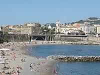 Playa de la Ribera, Murallas Reales y catedral de Ceuta.jpg