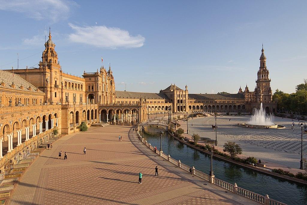 La Plaza de España de Sevilla elegida como el segundo lugar más espectacular del mundo 1024px-Plaza_de_Espa%C3%B1a_%28Sevilla%29_-_01