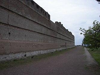 Poikile of Villa Adriana wall 2.jpg