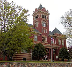 "Das ehemalige Polk County Courthouse und jetziges ""Polk County Museum"" in Balsam Lake ist im National Register of Historic Places gelistet.[1]"