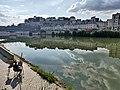 Pontoise, les bords de l'Oise et un peintre.jpg