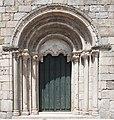 Portal da igrexa de San Pedro de Portomarín eue.jpg