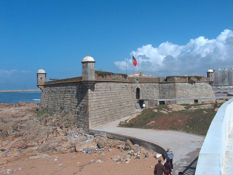 Imagem:Porto - Castelo do Queijo1578.JPG