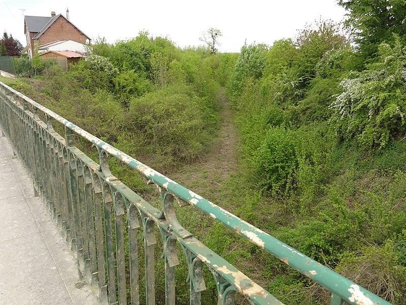Pouilly-sur-Serre (Aisne) chemin de fer desaffecté
