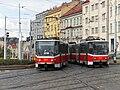 Praha, Libeň, křižovatka Sokolovská-Zenklova, Tatra KT8D5 č. 9009 a 9011.jpg