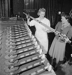 Polish mine detector - Mine Detectors being assembled (1943)