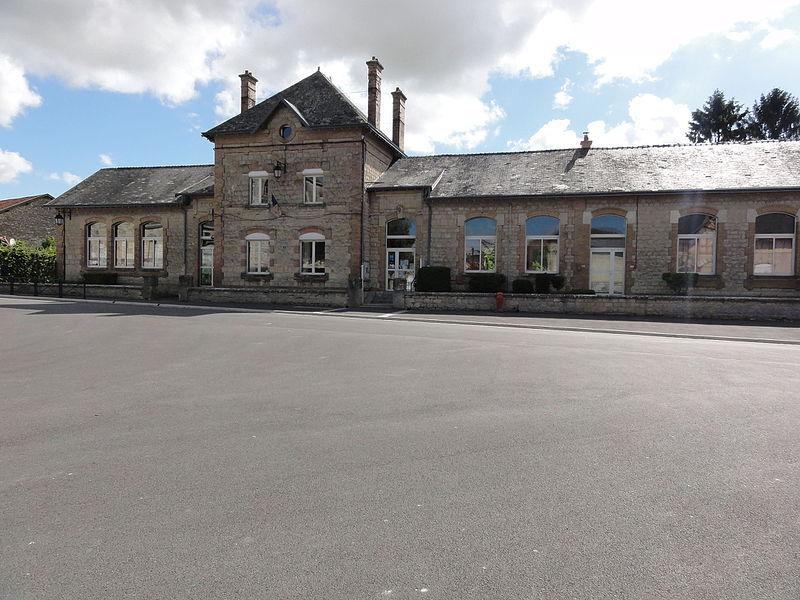 Prouvais (Aisne) mairie-école