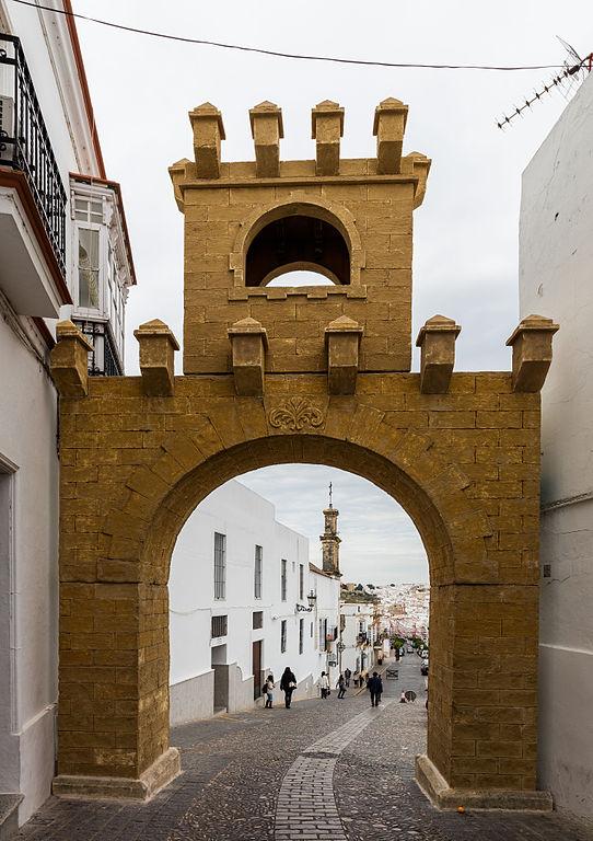 File puerta de jerez arcos de la frontera c diz espa a for Puerta 3 circuito jerez