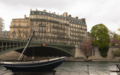 Putain de bateau sur la Seine (33266325323).png