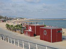 Chioschi prefabbricati modello habana per usi diversi sulle spiagge di Barcellona, Spagna