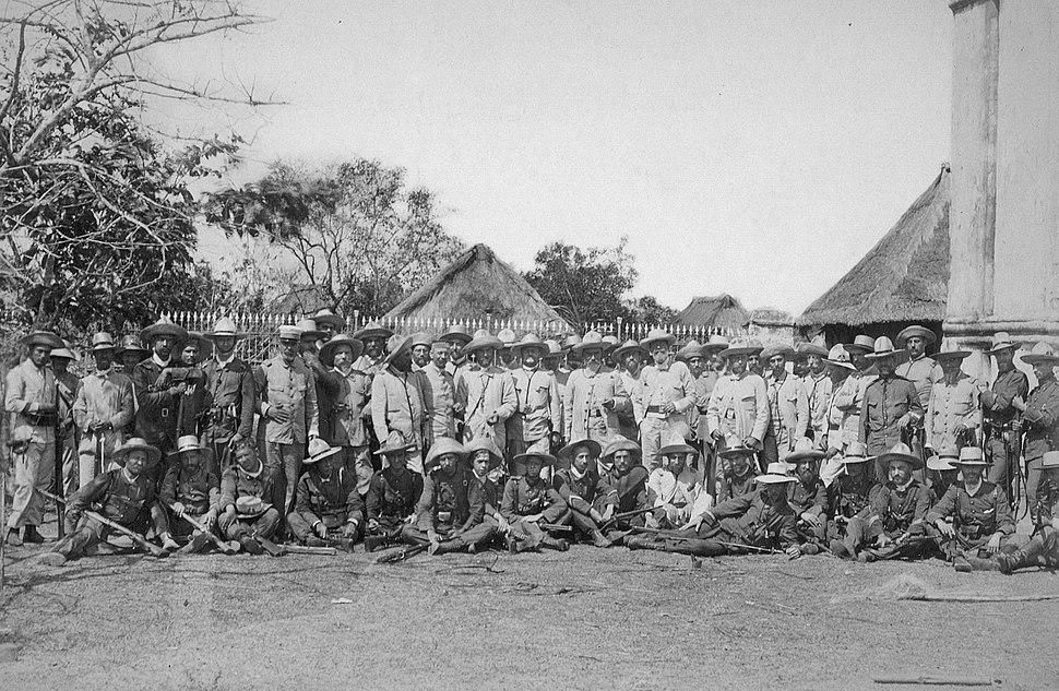 RETRATO DE TROPAS Y OFICIALES EN FILIPINAS (1898)