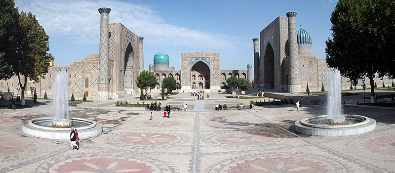Sur les Routes de la Soie : Ouzbekistan et Tadjikistan - Page 3 800px-Registan_Samarkand_Uzbekistan
