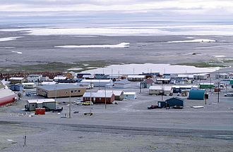 Resolute, Nunavut - Resolute in 1997. Visible on the left is a long school building (brown).