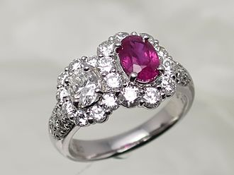 Ring (jewellery) - Ruby ring