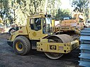 Road roller ride-on articulating-swivel large 02