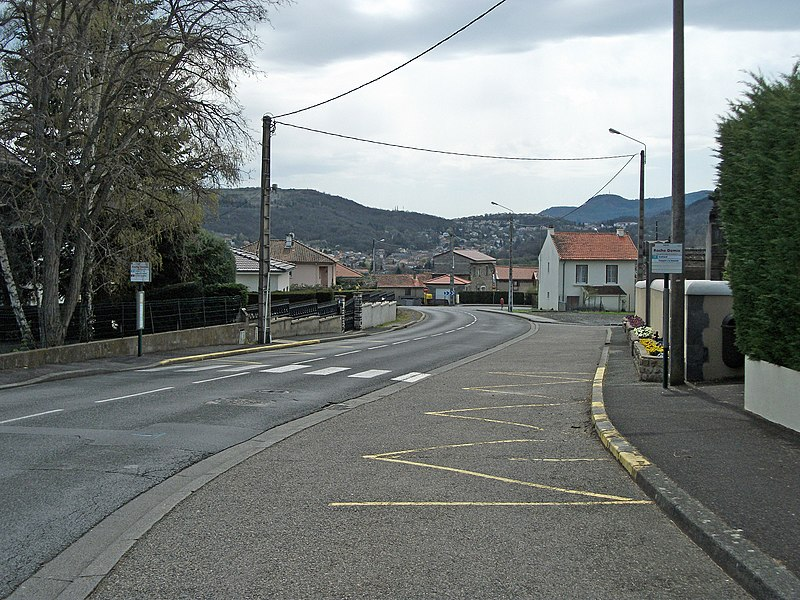 Roche Demie bus stop (line 32 of T2C network) on departmental road 15, near cemetery, towards town centre of Sayat, Auvergne, France. Elevation: 473m/1,552ft