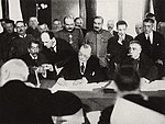 RomanianPMMarghilomanSigningBucharestPeaceTreaty1918