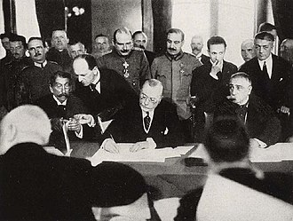 Treaty of Bucharest (1918) - Romanian Prime-Minister Alexandru Marghiloman signing the treaty