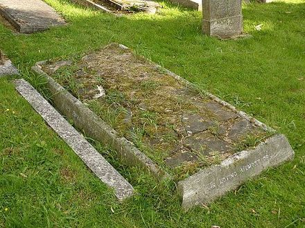 Ross's grave at Putney Vale Cemetery, London in 2014 Ronald Ross grave Putney Vale 2014.jpg