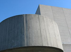 Béton brut - Detail of the Royal National Theatre showing the grain of the formwork
