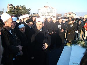 Ibrahim Rugova - Imams conducting funeral prayer in front of Rugova's grave