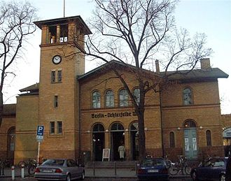 Berlin-Lichterfelde West station - Image: S Bahnhof Lichterfelde West