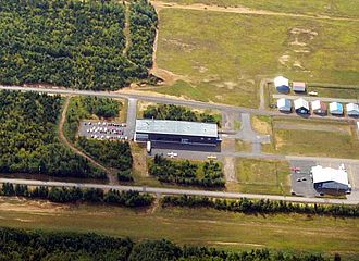 Symphony Aircraft Industries - An aerial view of the Symphony Aircraft Industries plant in Trois-Rivières, August 2005